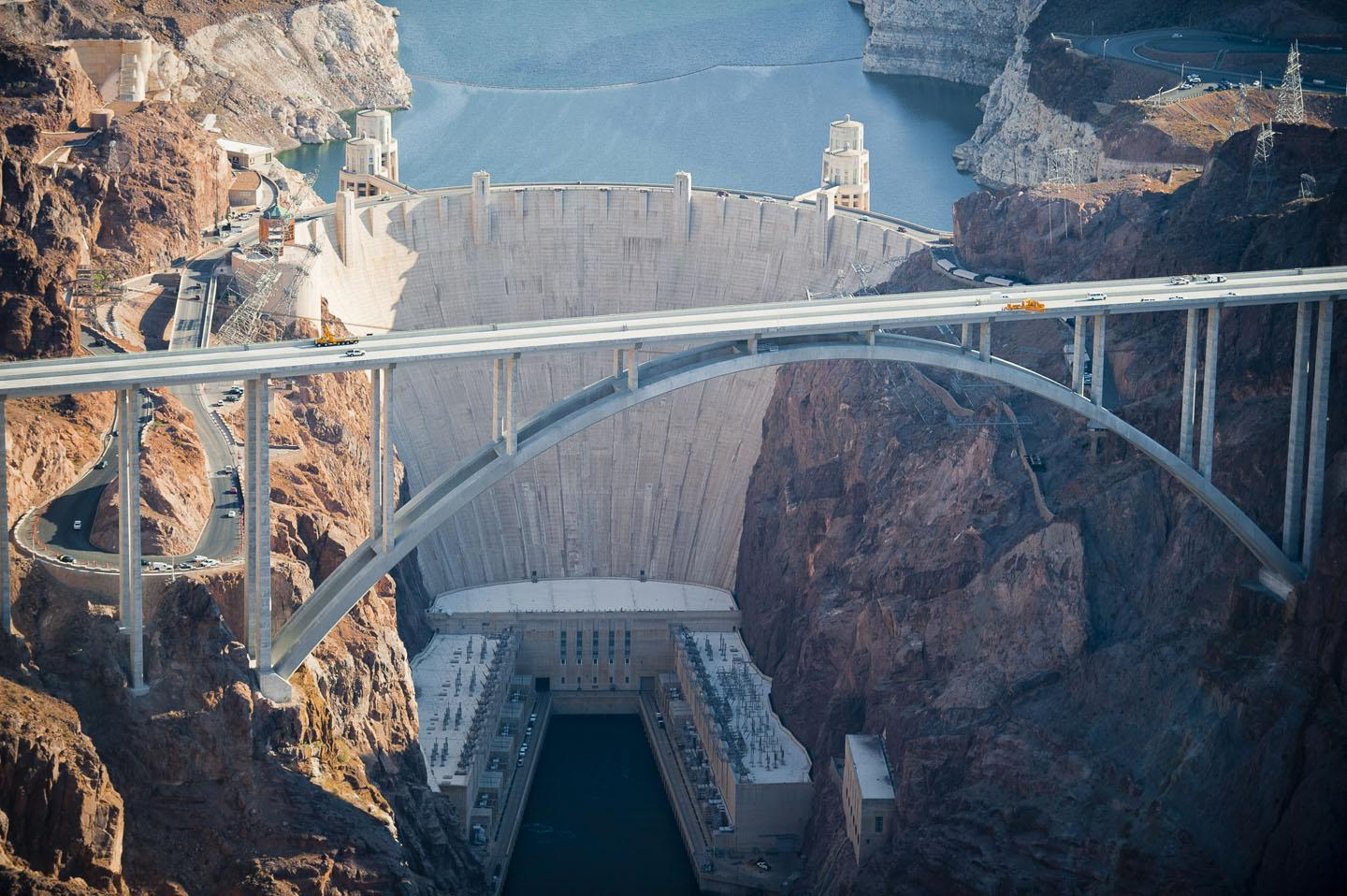 hoover dam bypass A man suspected of blocking the us highway 93 bridge near hoover dam with  an armored vehicle before leading police on a chase — at one.